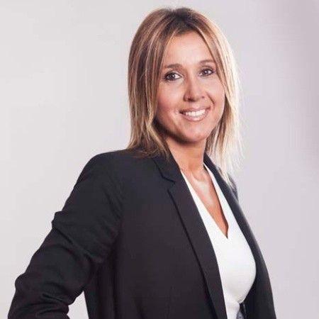 María R.