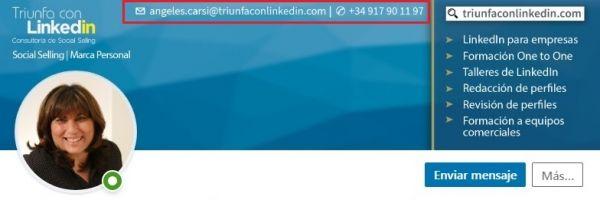 Información de contacto en imagen de fondo perfil LinkedIn